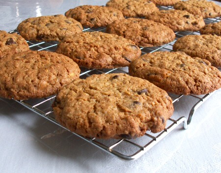 Whole Wheat Peanut Butter Oatmeal Chocolate Chip Cookies